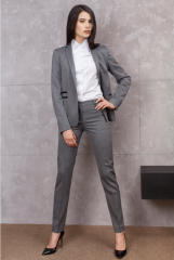 חליפות נשים