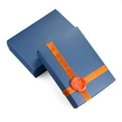 Sealing wax to gift boxes