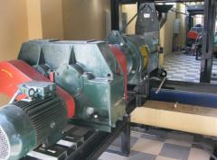 Equipment for refining vegetable oils