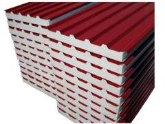Roofing a sandwich panel in Chisina