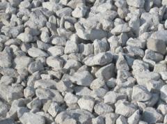 Crushed stone limy