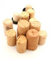 Natural cork and agglomerated (for wines, cognacs