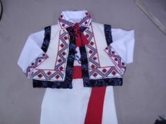 Национальные костюмы вышитые в Молдове