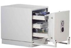 Safes for carriers of digital information