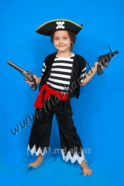 karnavalnyj_kostyum_piratik