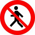 Indicator de interzicere sau restrictie «Circulaţie interzisă pietonilor» 3.13