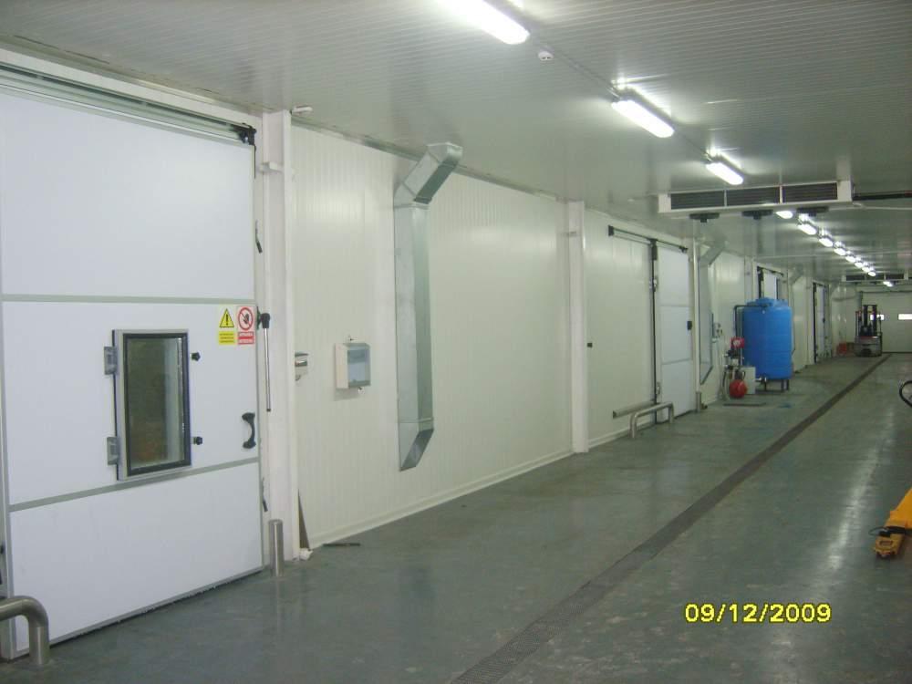 Хранение фруктов в современном промышленном холодильнике 2 000 тн