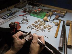 Заказать Чистка изделий из золота и серебра