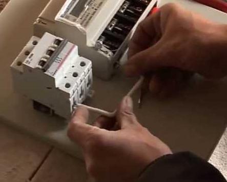 Заказать Установка электрооборудования, instalare de echipament electric