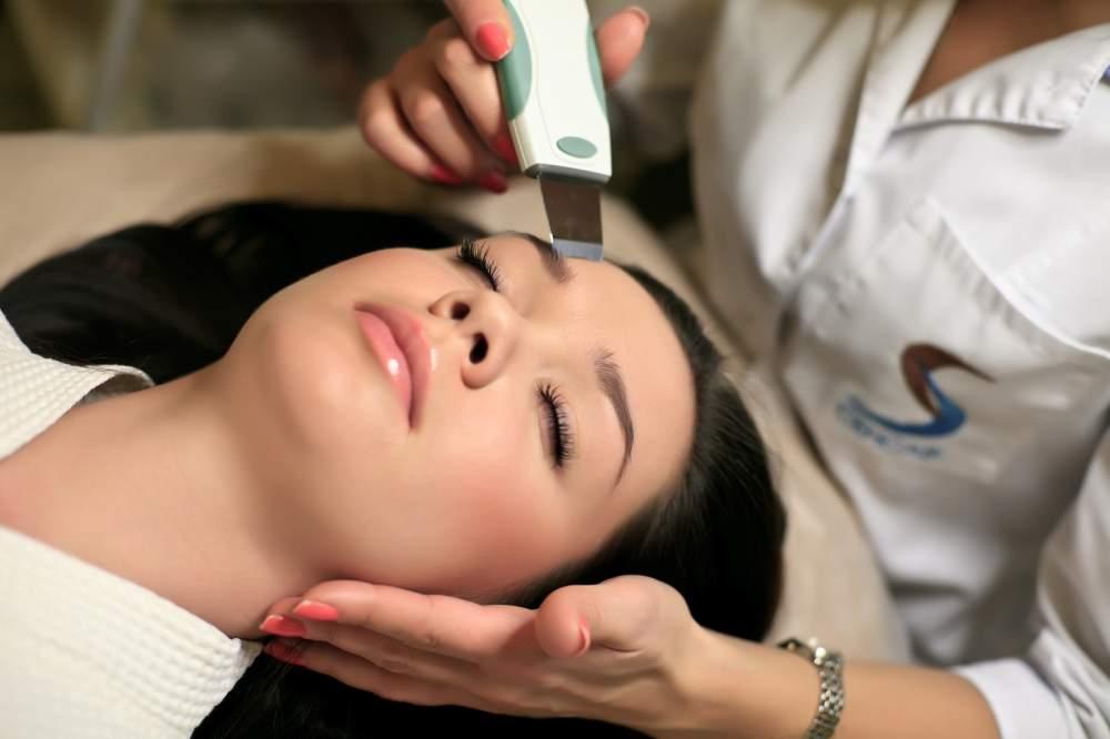Заказать Комплексная ультразвуковая терапия с гиалуроновой кислотой для мощного увлажнения
