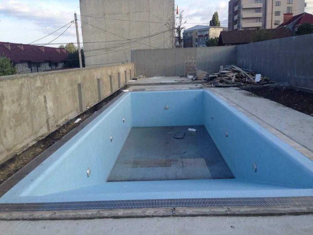 Услуги по строительству бассейнов