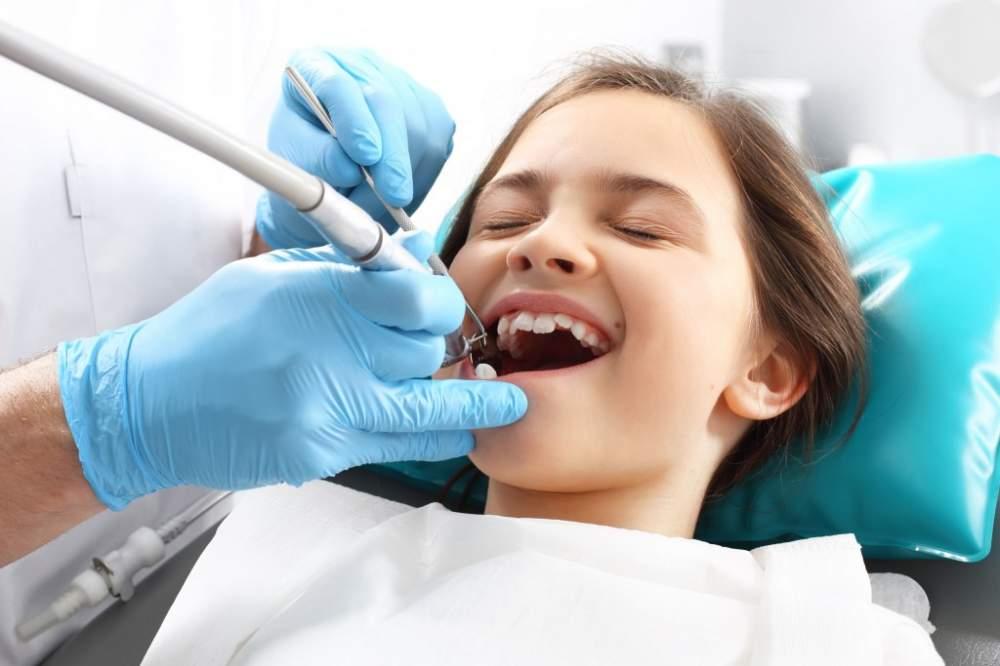 Заказать Профессиональная гигиена детских зубов