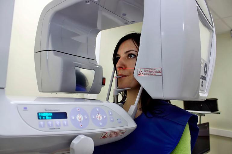 Панорамный снимок зубов - ортопантомограмма