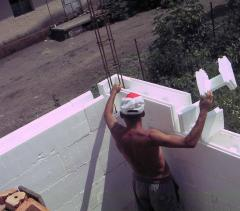 Construction of houses from thermoblocks