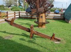 Деревянные качели - балансиры в Молдове