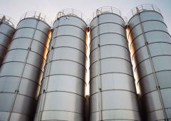 Service of silos