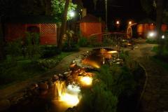 Устройство систем освещения в саду